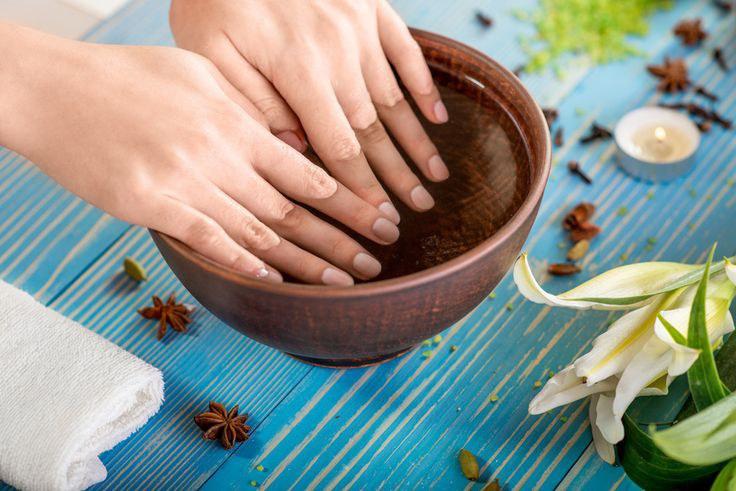 9% уксусом и лимонной кислотой - позволяют отмыть руки от маслят фото