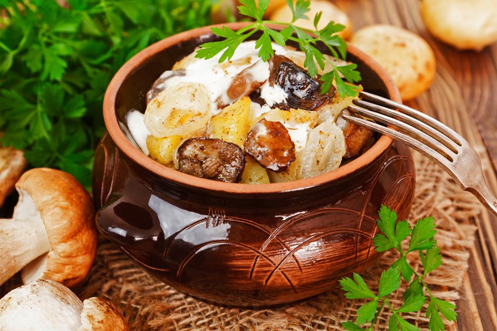 жареные грибы Курочки с картошкой и сметаной фото