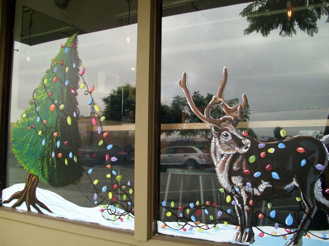 рисование на стекле или декор окна снежным рисунком фото 1