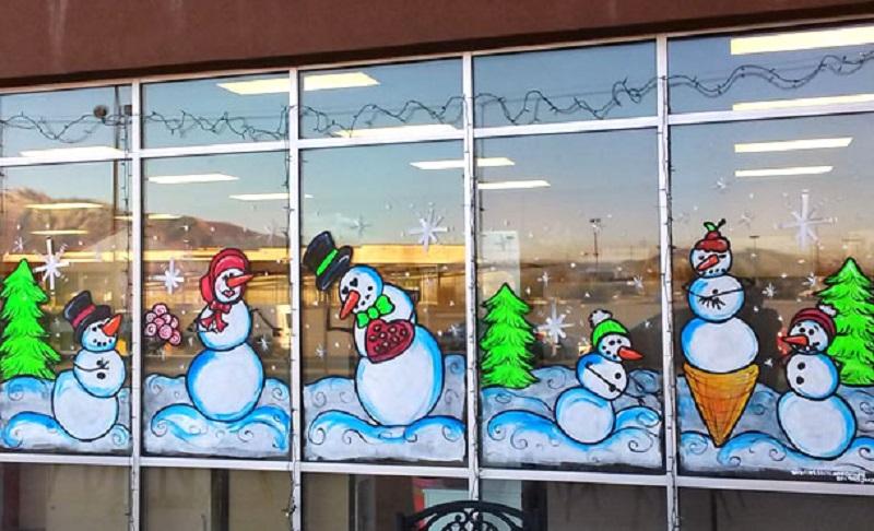 рисование на стекле или декор окна снежным рисунком фото 3