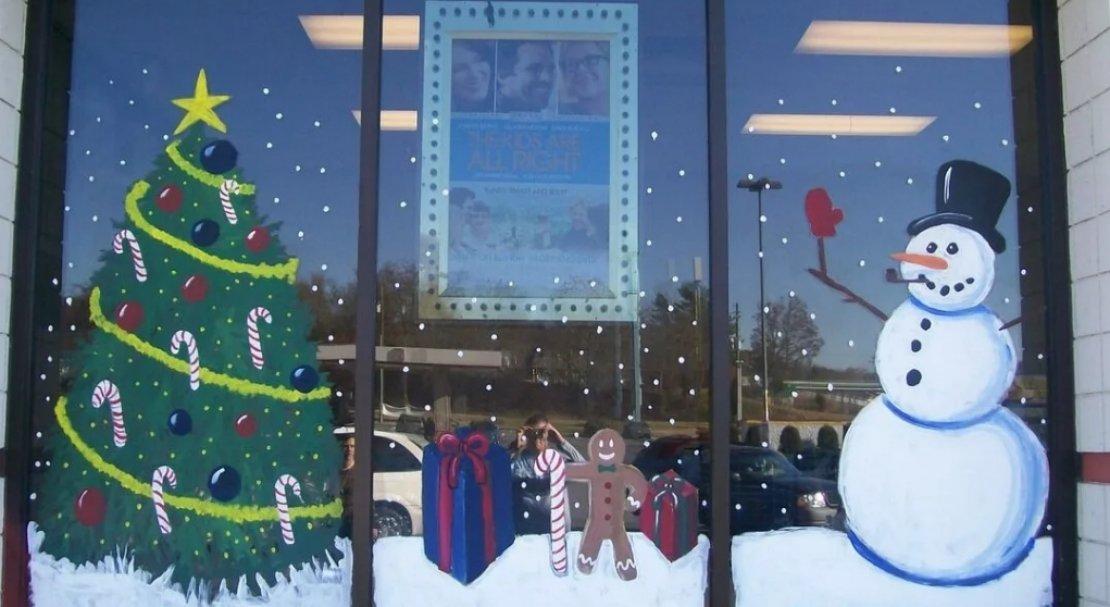 рисование на стекле или декор окна снежным рисунком фото 4