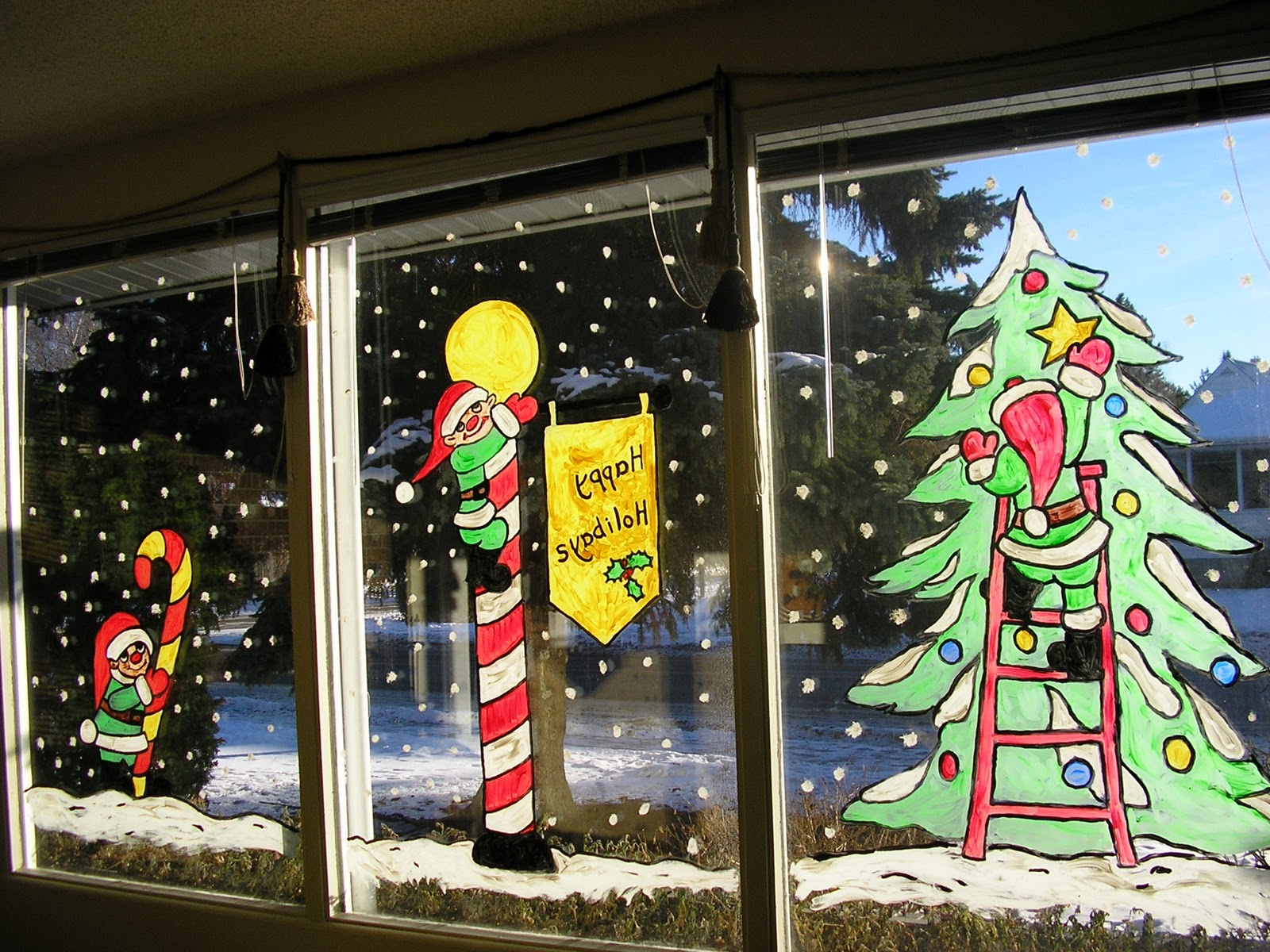 рисование на стекле или декор окна снежным рисунком фото 5