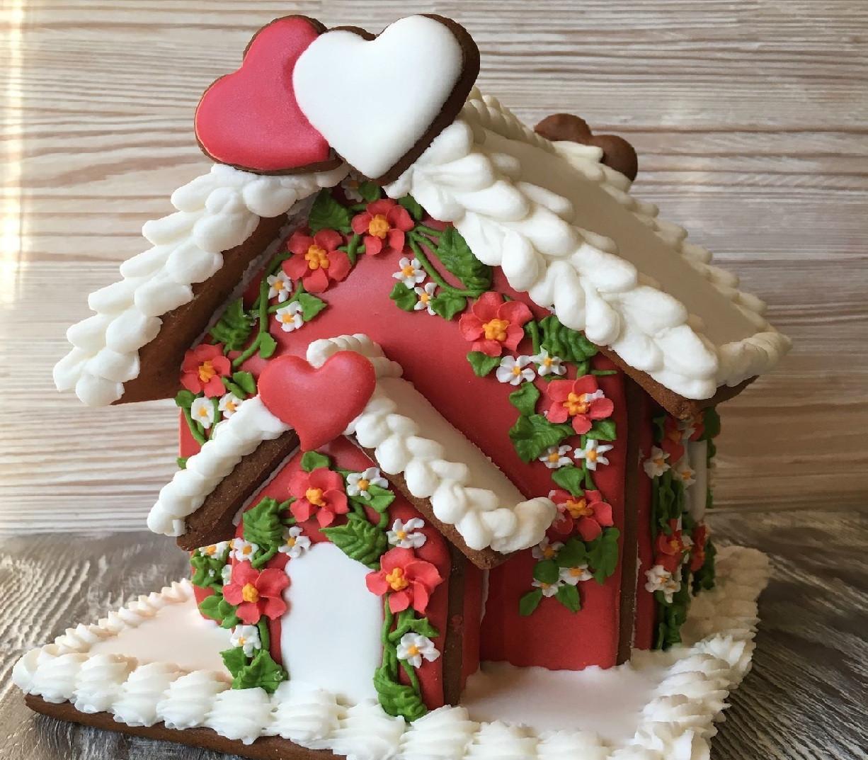 идеи оформления пряничного домика на Новый год и Рождество 2022 фото 1