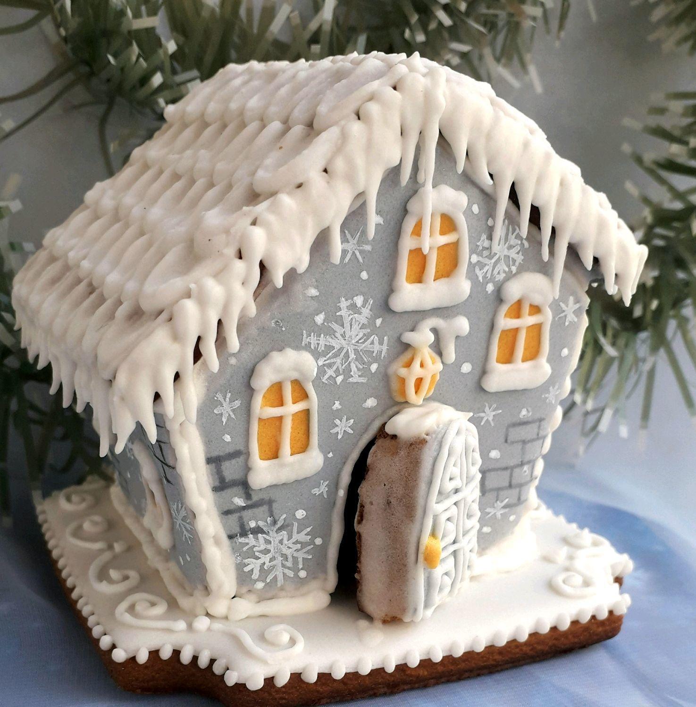 идеи оформления пряничного домика на Новый год и Рождество 2021 фото 4