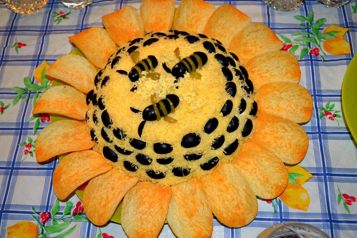 острый «Подсолнух» с перцем и ветчиной фото