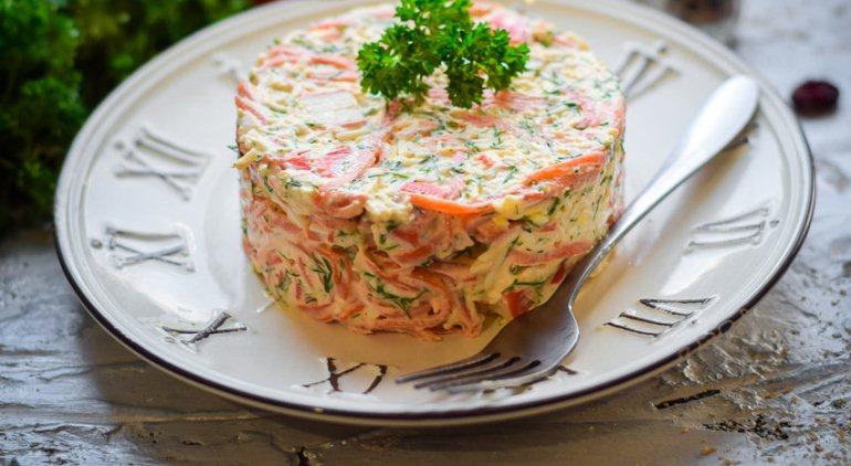 №7 - Салат с морковью по-корейски, фасолью и крабовыми палочками фото