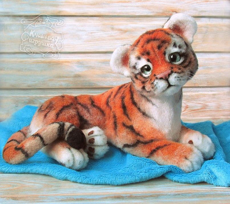 тигруша из войлока или валяной шерсти фото 3