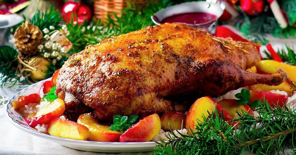 гусь (утка) на Новый год 2021 Белого Металлического Быка и Рождество: пошаговый рецепт в духовке с фото, идеи оформления