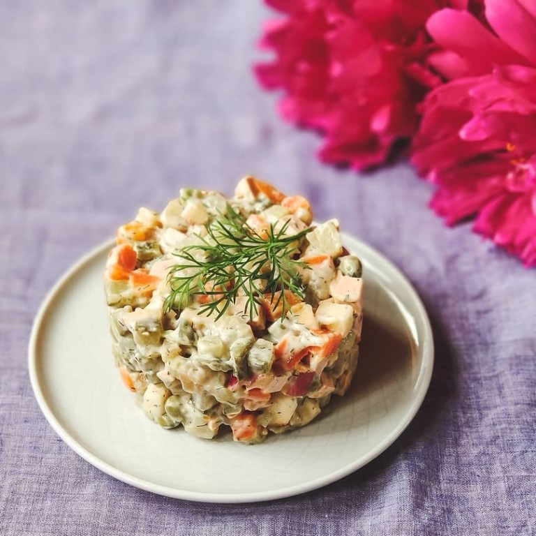 четвертый рецепт приготовления - Вегетарианский салат «Оливье» фото